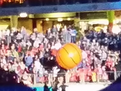 Lightweight Inflatable Crowd Ball